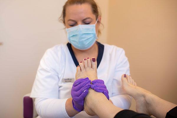 Medizinische Fusspflege, Kosmetik, Ayurveda & Massagen